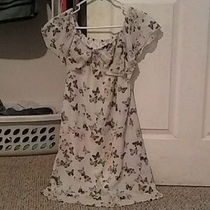 A butterfly night gown